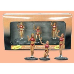 Pit Girls, rød. Tre håndmalede figurer. Slot.it TM01