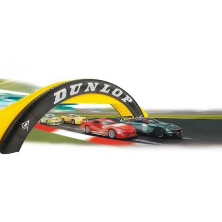 Dunlop gangbro til racerbanen. Scalextric C8332