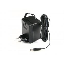 Strømforsyning, Scalextric START - stikket er fladt og ikke rundt som på billedet.