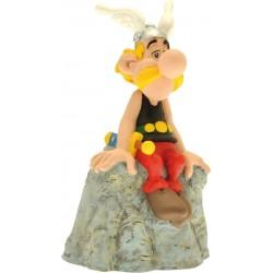 Sparebøsse: Asterix på sten. 12 cm høj.